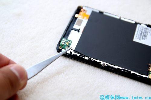 移动流媒体--小辣椒国民手机拆机图解及详细点评